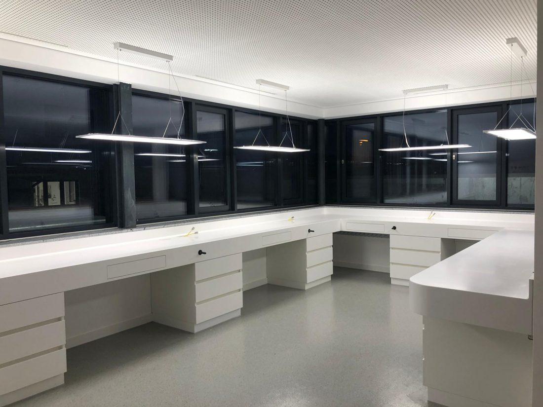 Verblendbereich im Labor wird gezeigt